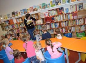 Podzimní návštěva knihovny MŠ
